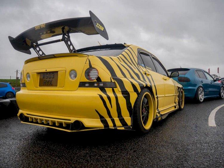 Andrew's Lexus yellow rose IS200