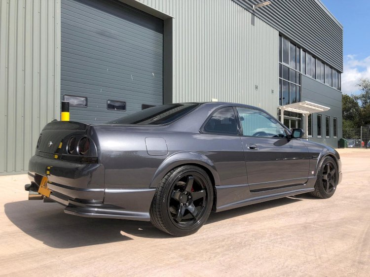 Ian's - Nissan R33 Skyline GTS-t Spec1