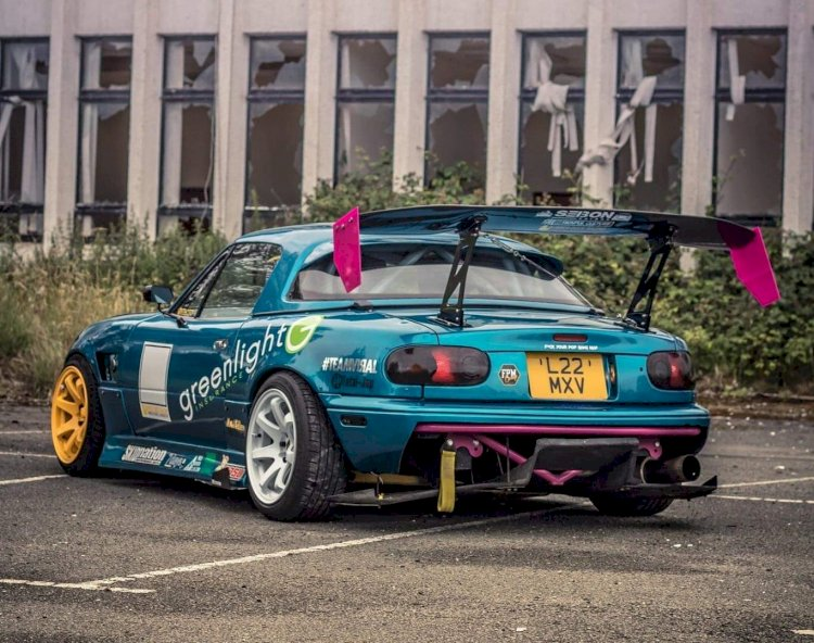 Luke Flear - 1.8 UK spec MX5