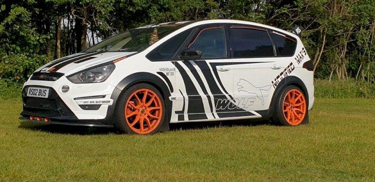 Deborah Bromley - Ford S-Max Titanium X sport