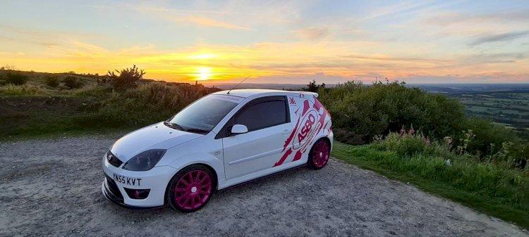 Andy Sutton  -  Miss Pink Fiesta ST150