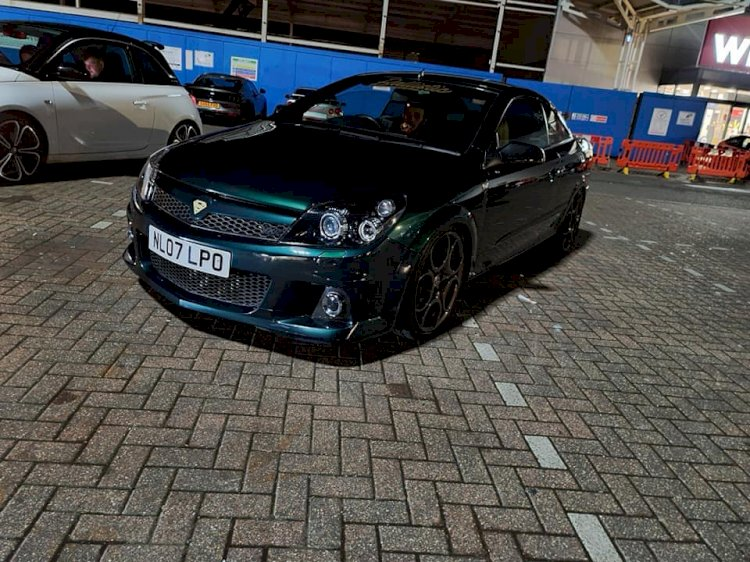 James Cox - Vauxhall Astra Twintop