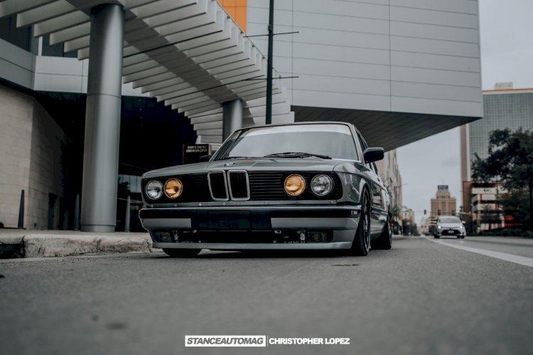 Rayziel Santa  - 1987 BMW 535is