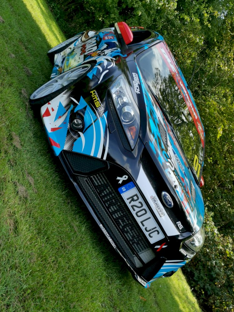 Lisa Cowley and Tony Blackham  -   Ford Focus Roadrunner RS