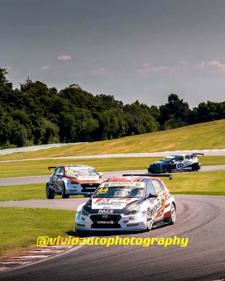 Hyundai i30N TCR #44 and #38 | Essex and Kent Motorsport