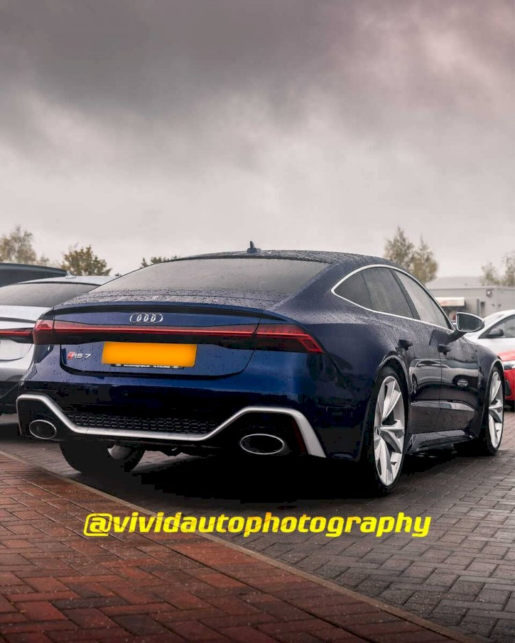Cars in the Rain | Virtual Gallery | Novitec Ferrari 812 N-Largo, Peugeot RCZ R and more