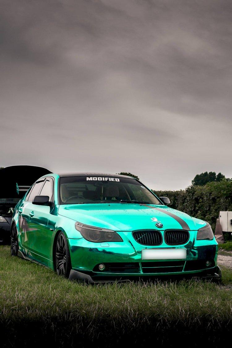 BMW 5 Series | Chrome Blue | Moat Hall Farm